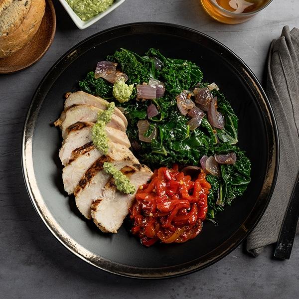 50.02.003-Pollo-a-la-parrilla-con-verduras-y-salteado-Kale