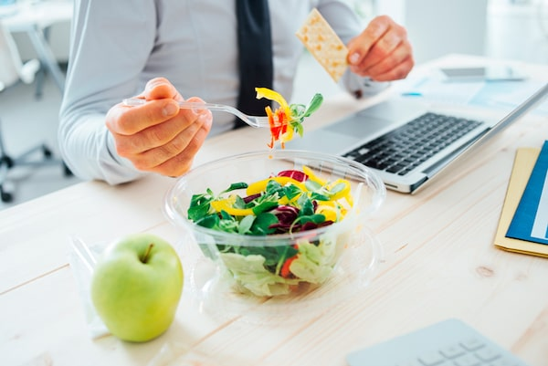 comer en el trabajo