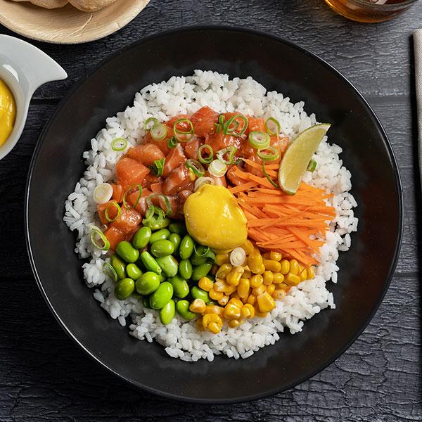 Poke bowl de salmon alimentos buenos para la memoria