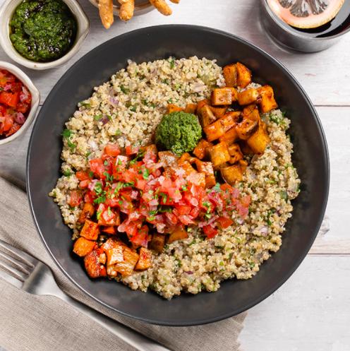 bowl de quinoa batata y mojo verde